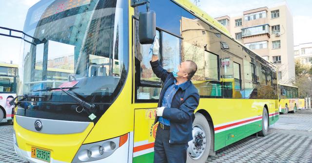 76路公交有个暖心驾驶员 一个月收到17封表扬信